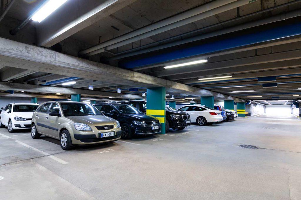 Pysäköintihalli, Itälahdenkatu 18 A, vuokrattavat toimitilat Helsinki JMB Kiinteistöt