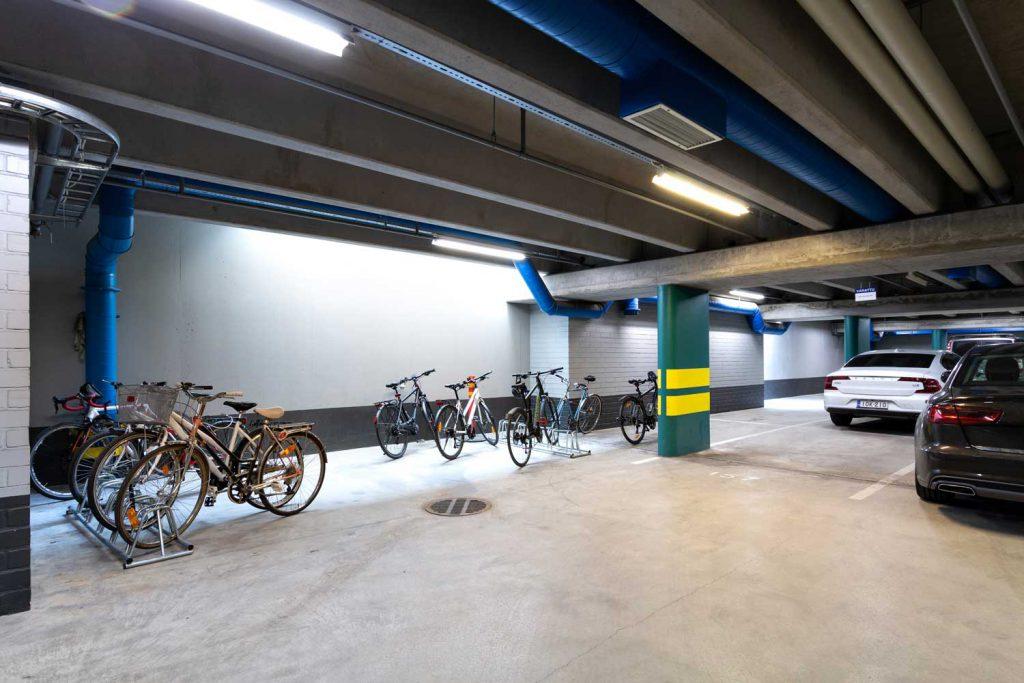Pyöräparkki, Itälahdenkatu 18 C, vuokrattavat toimitilat Helsinki JMB Kiinteistöt